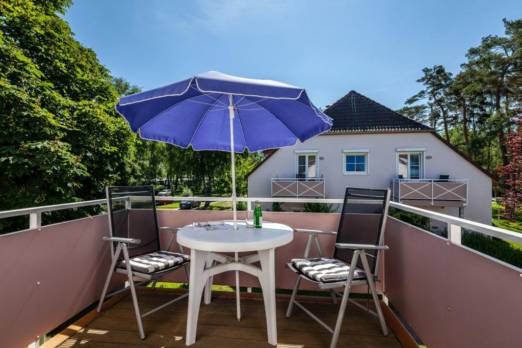 Ferienwohnung Strandgut - Balkon mit Sonnenschirm